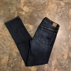 AE AEO size 6 strait super stretch jeans